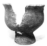 弥生土器台付甕(千倉町健田遺跡) 弥生時代