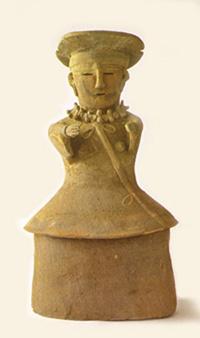 32.人物埴輪(巫女)