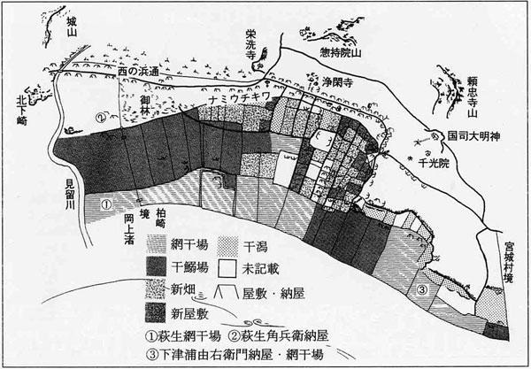 柏崎浦の浜利用状況<模様のある範囲が地震で隆起したところ>