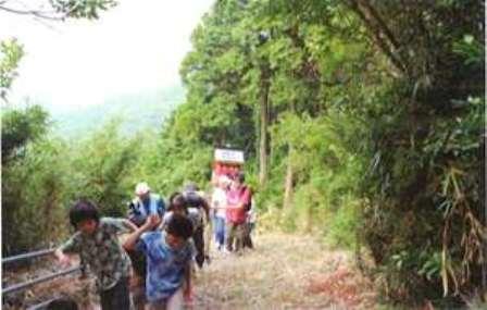 写真32-1.愛宕神社への道中
