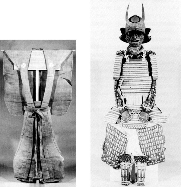 左:79.裃(本多家家紋入) 右:75.白糸威二枚胴具足(藩主から拝領の甲冑)